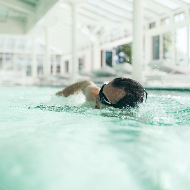 wiesenhof badehaus schwimmen er 00110