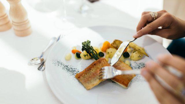 wiesenhof hotel achensee kulinarik paar 00115