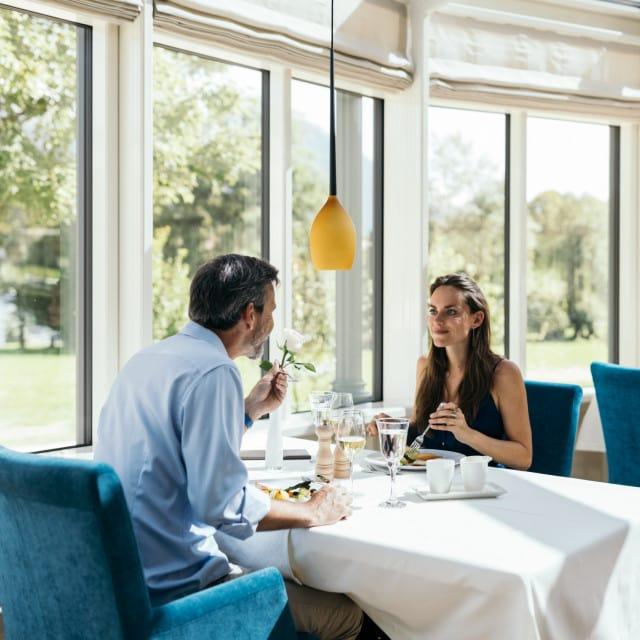 wiesenhof hotel achensee kulinarik paar 00117