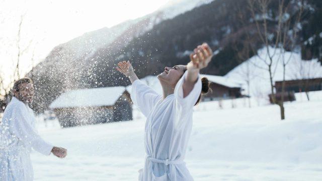 wiesenhof winter wellness badehaus aussen5
